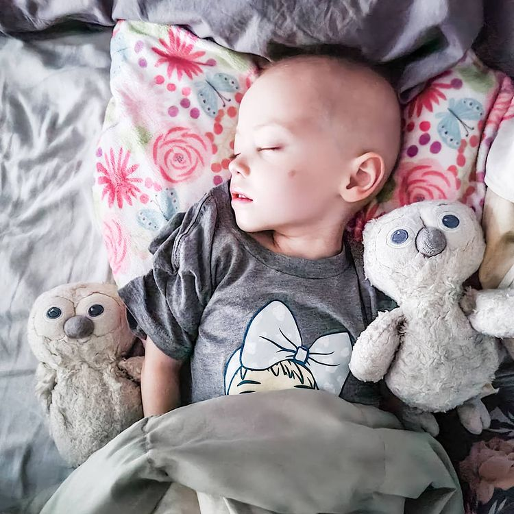 influencer kate hudson's toddler, 2½, loses battle to cancer