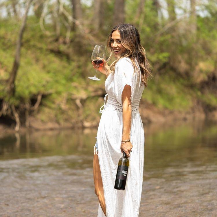 jana kramer sells wedding ring to makeover her home