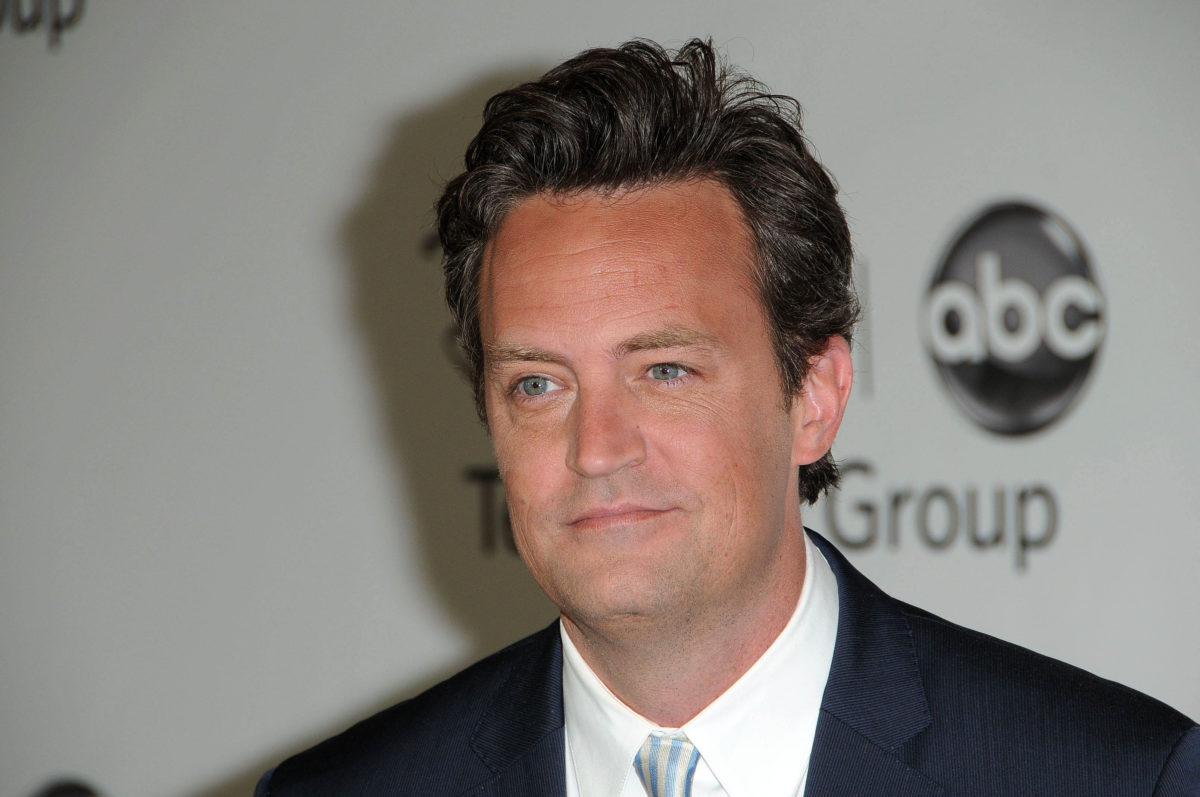 matthew perry calls off engagement to molly hurwitz