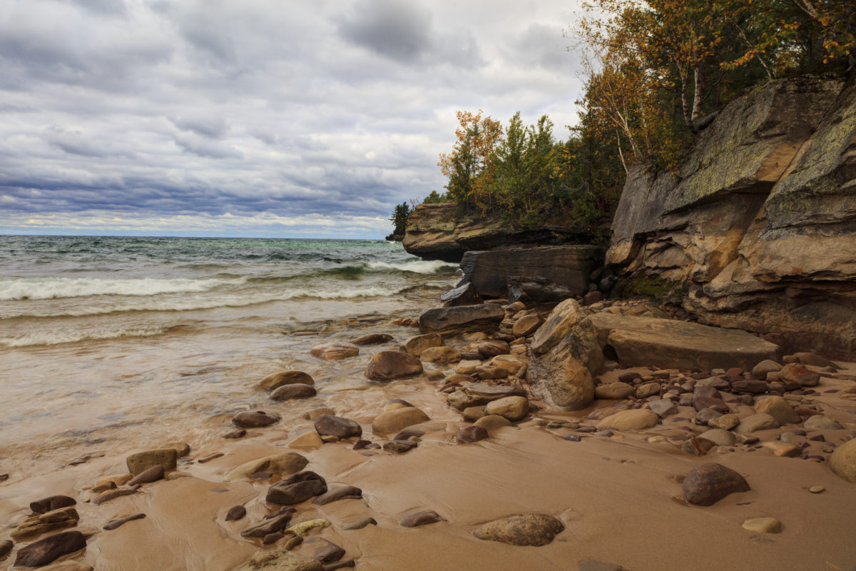 pregnant mother rescues 3 girls from drowning in lake michigan