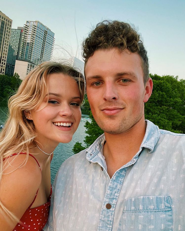 reese witherspoon's daughter ava phillippe posts rare instagram photo with boyfriend