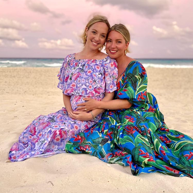 woman develops rare pregnancy-related cancer, twin sister offers to be surrogate