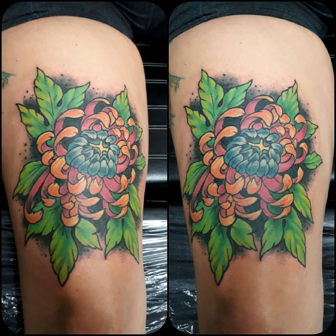 30 flirty thigh tattoos for women