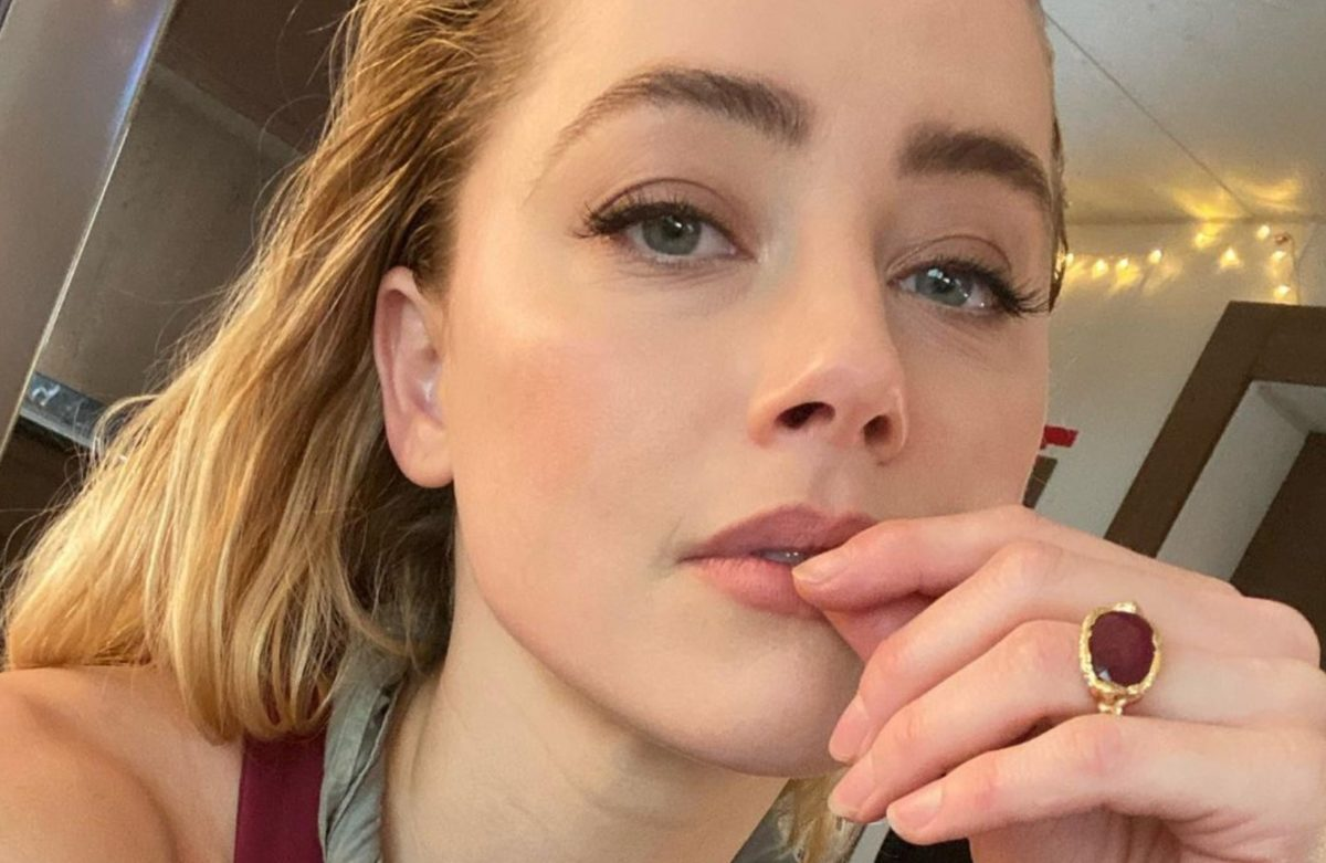 amber heard calls herself mom and dad in new photo of baby girl