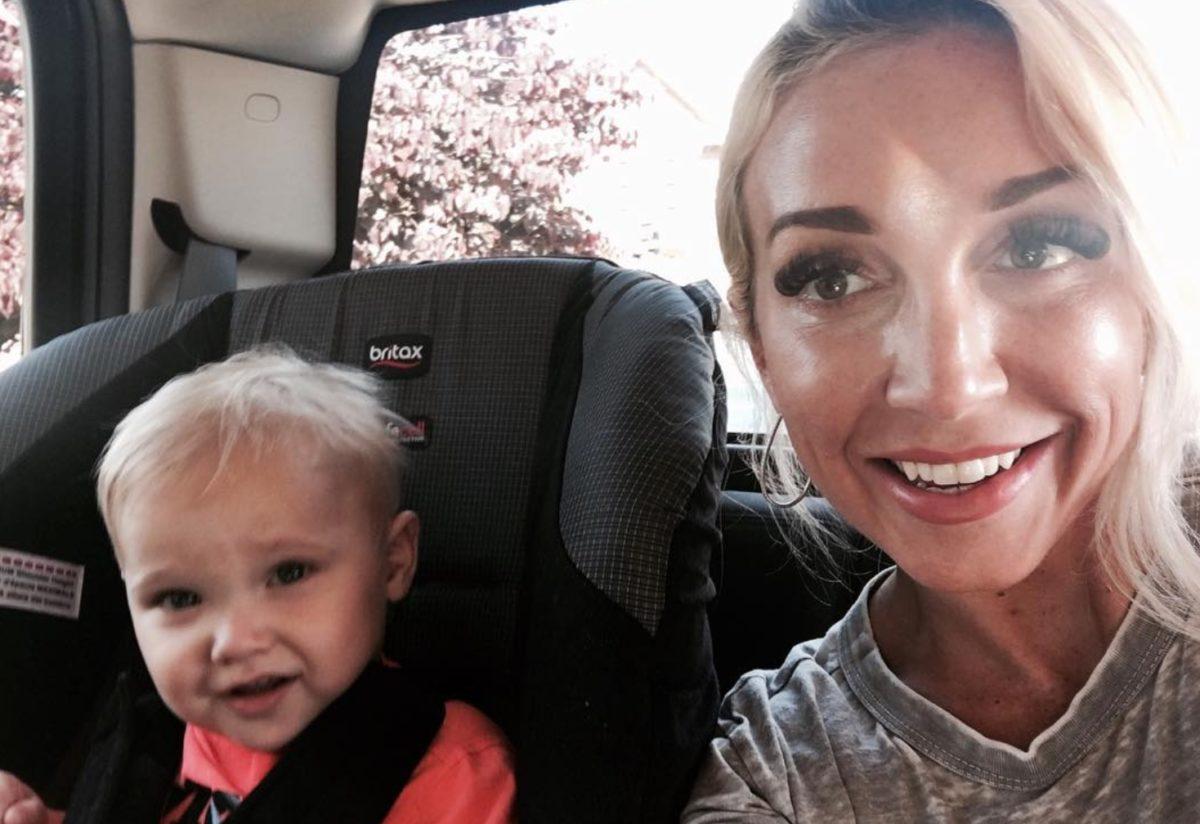 country music singer ashley monroe shares she has the rare blood cancer waldenstrom macroglobulinemia