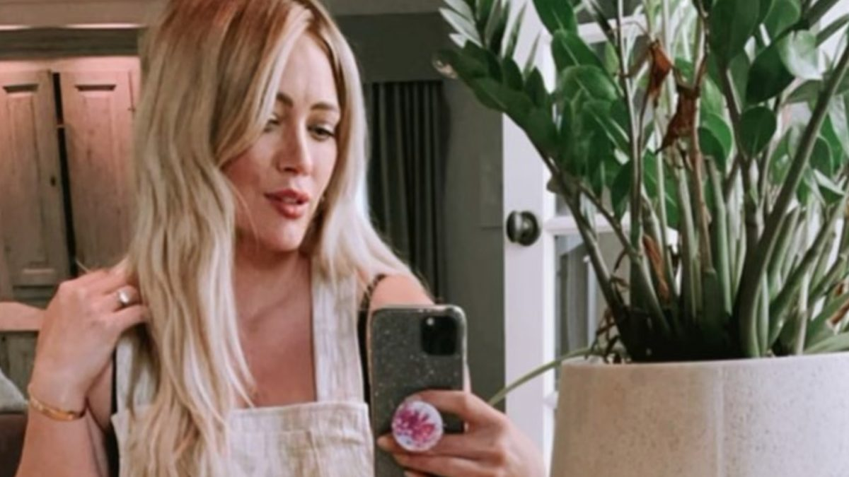 hilary duff shares intimate and raw photos from home birth