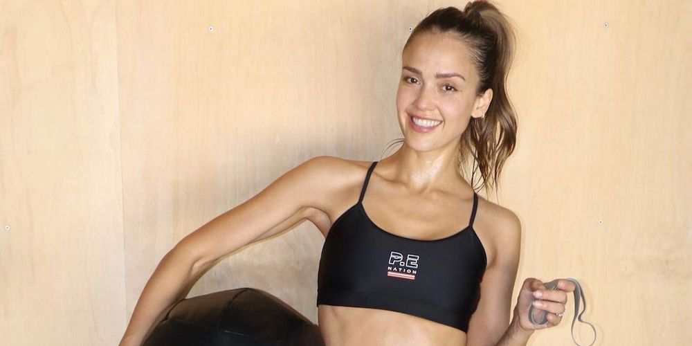 two smoothie recipes jessica alba drinks to help stay healthy