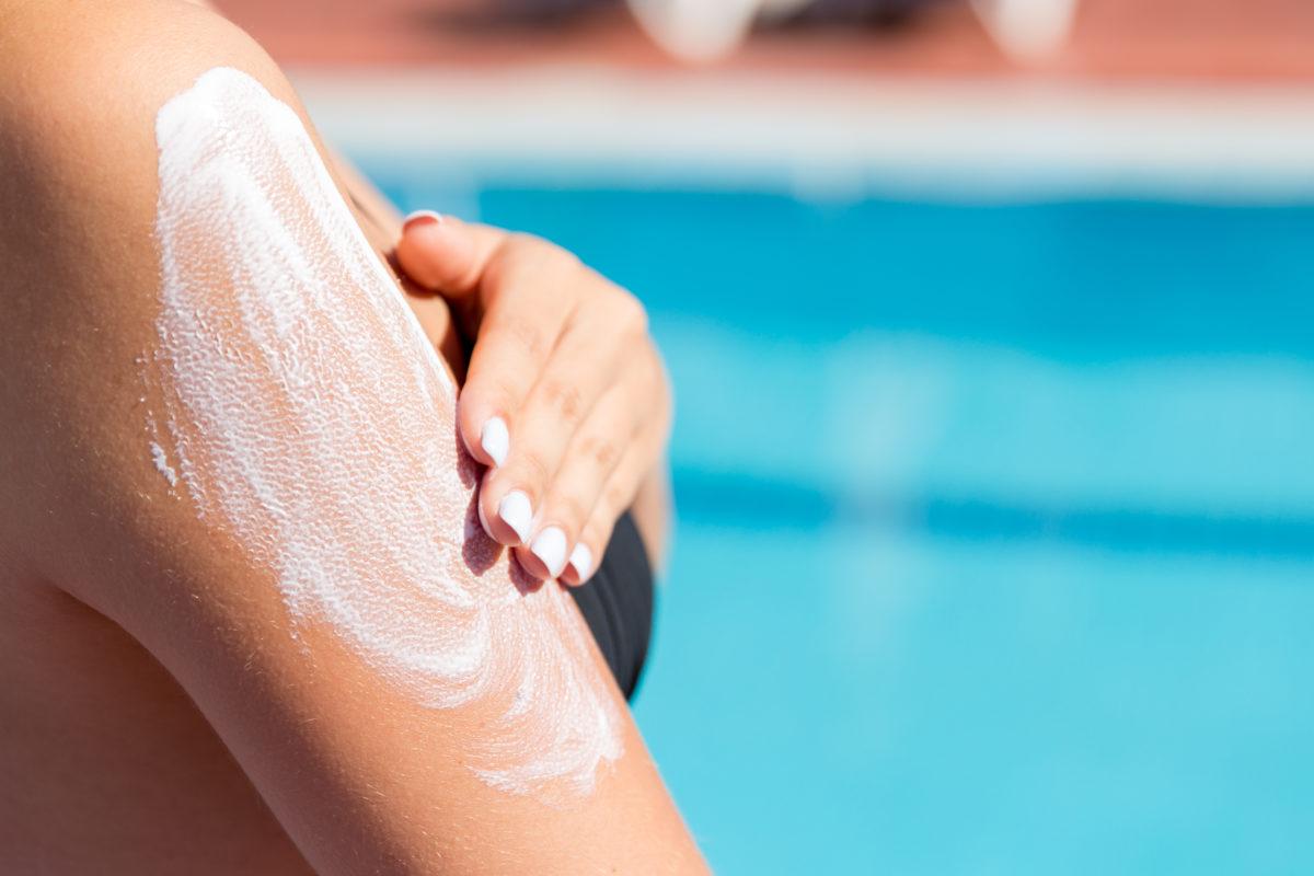 johnson & johnson recalls spray sunscreens after cancer-causing chemicals found