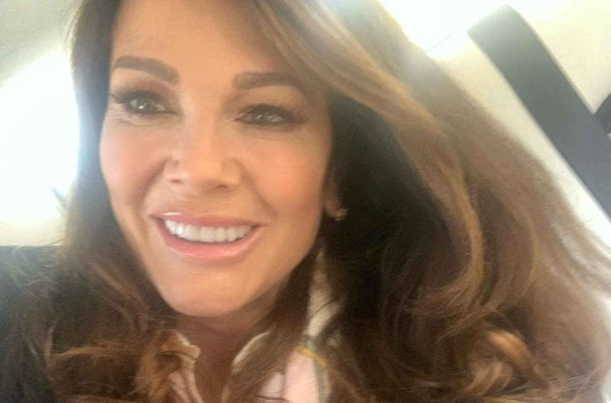 woman claims she got worms from adopted dog with falsified records from lisa vanderpump's rescue