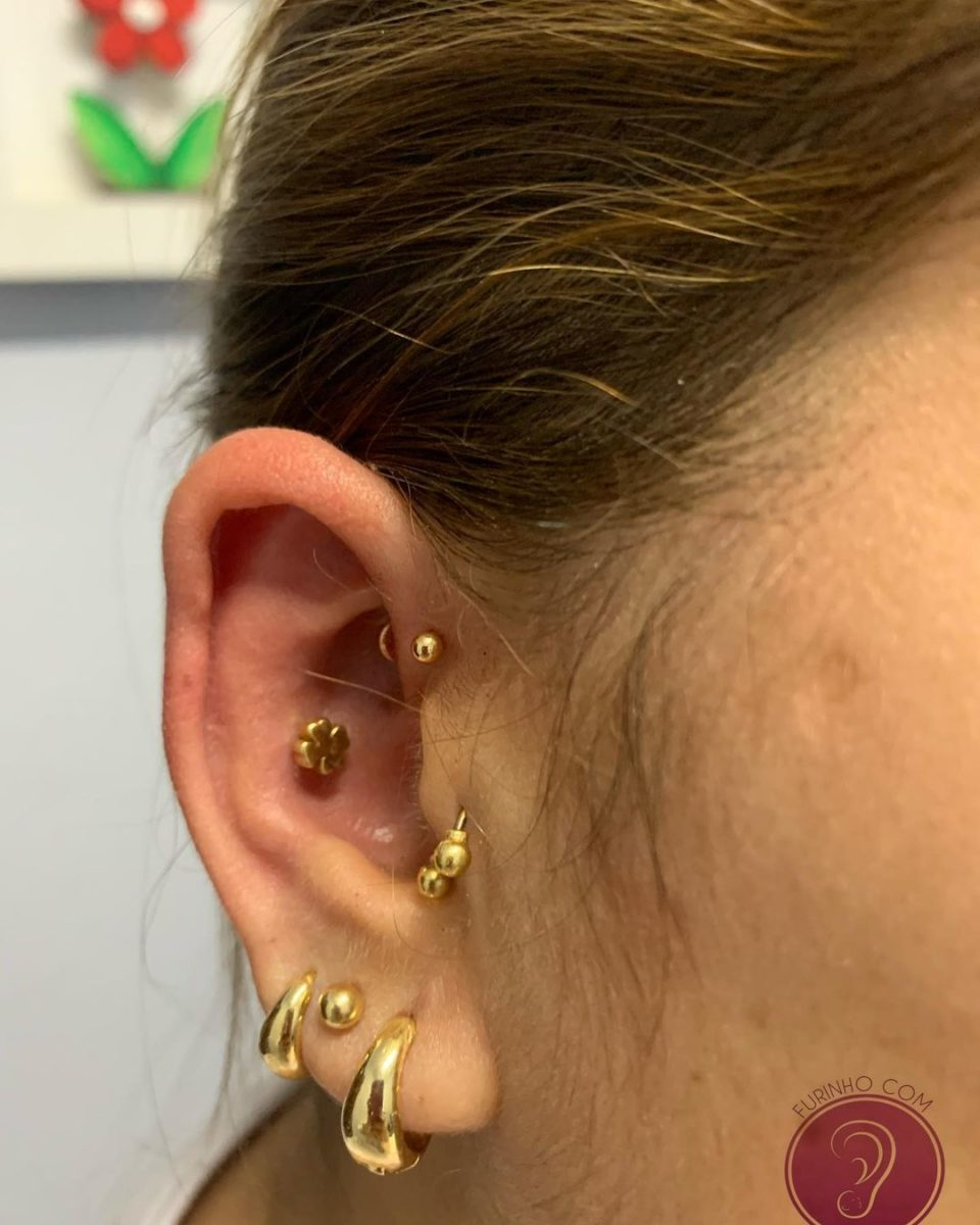 25 ear piercings