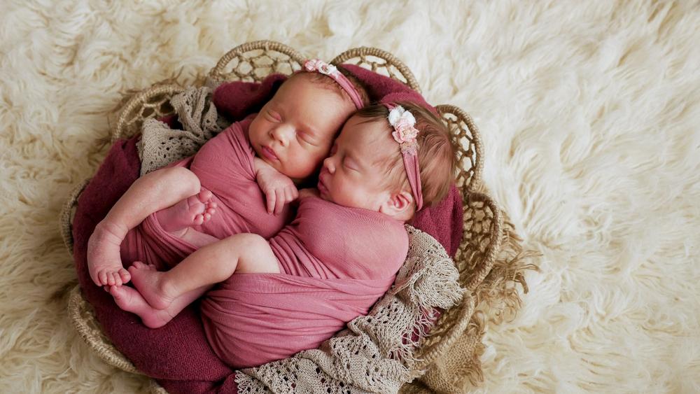 300 twin names