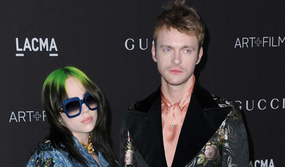 billie eilish's brother finneas defends her after fake article about her wanting to be poor goes viral