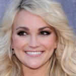 Jamie Lynn Spears Posts Cryptic Clip Of Her Crying And Being Comforted By 3-Year-Old Daughter Following Social Media Feud With Sister Britney