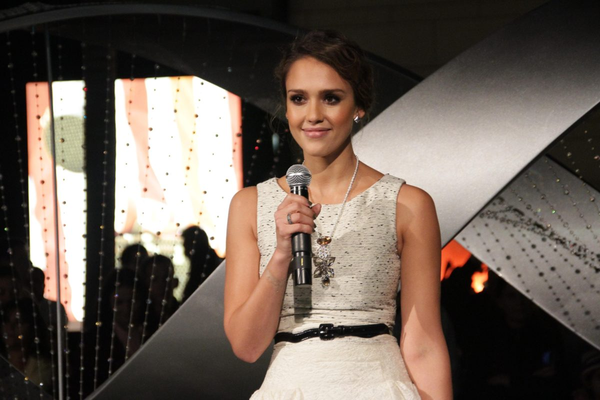 jessica alba on therapy with her 13-year-old daughter