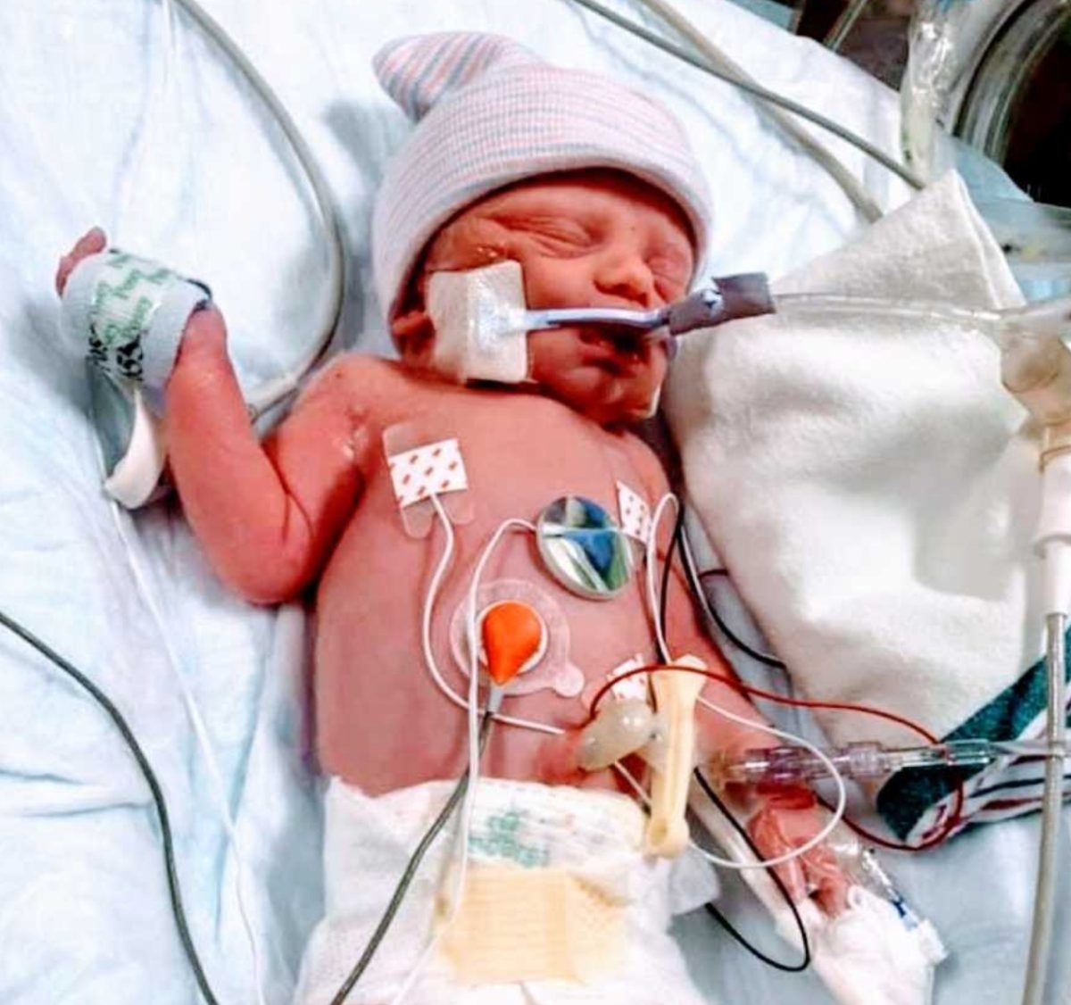 mom pens open letter about giving birth for the first time while having covid-19 and pneumonia