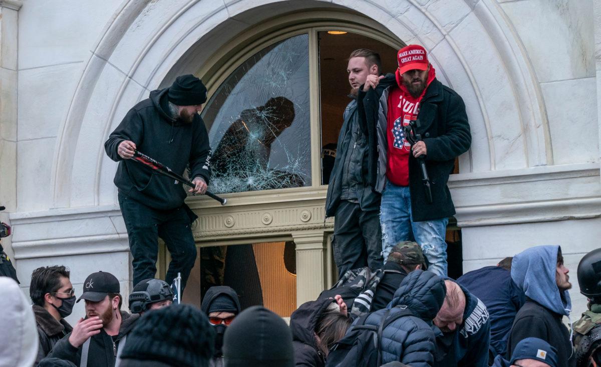 officer who shot ashli babbitt amid capitol riot recounts traumatic day