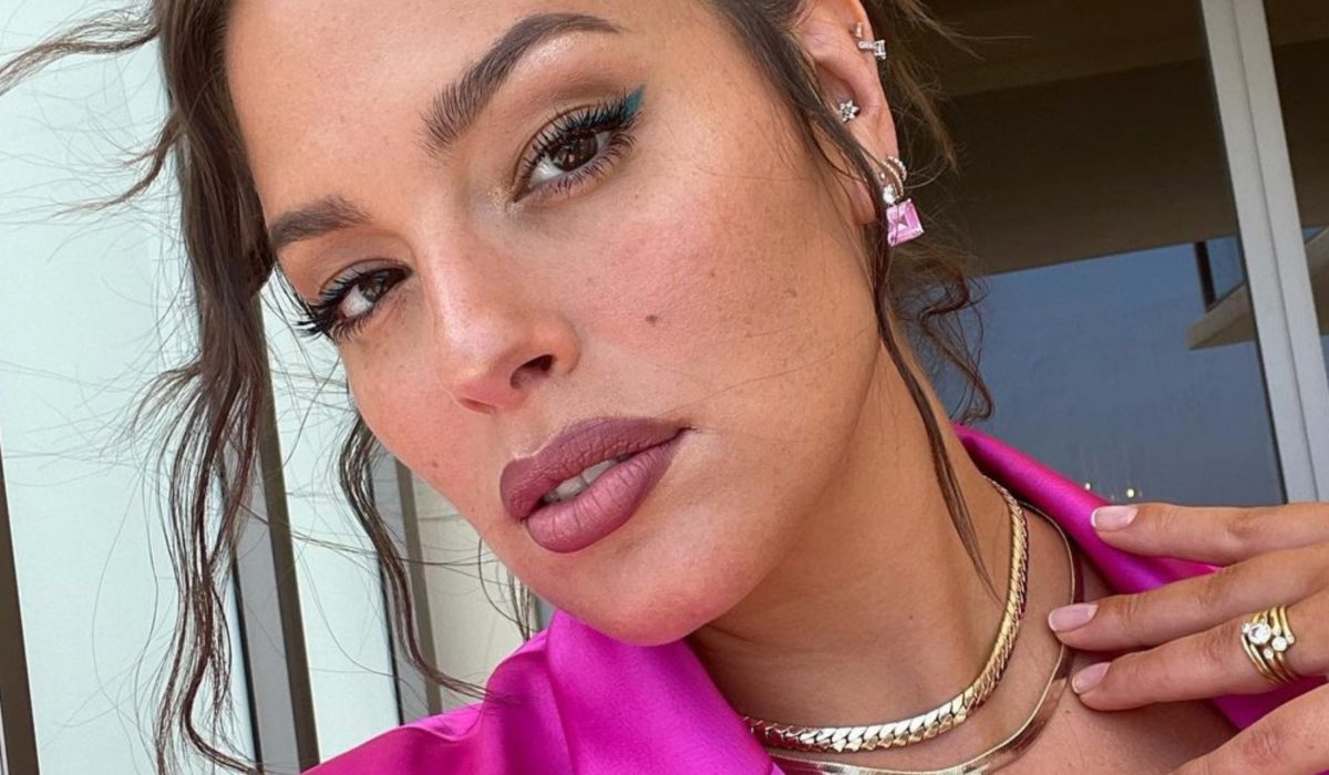 soon-to-be mom of 2 ashley graham talks relinquishing control during pregnancy