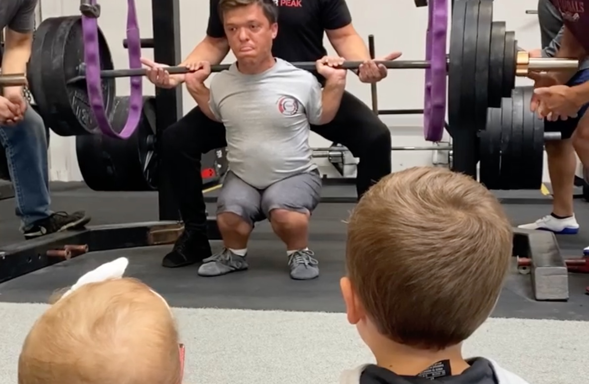 zach roloff breaks unofficial world record after squatting 3-times his weight