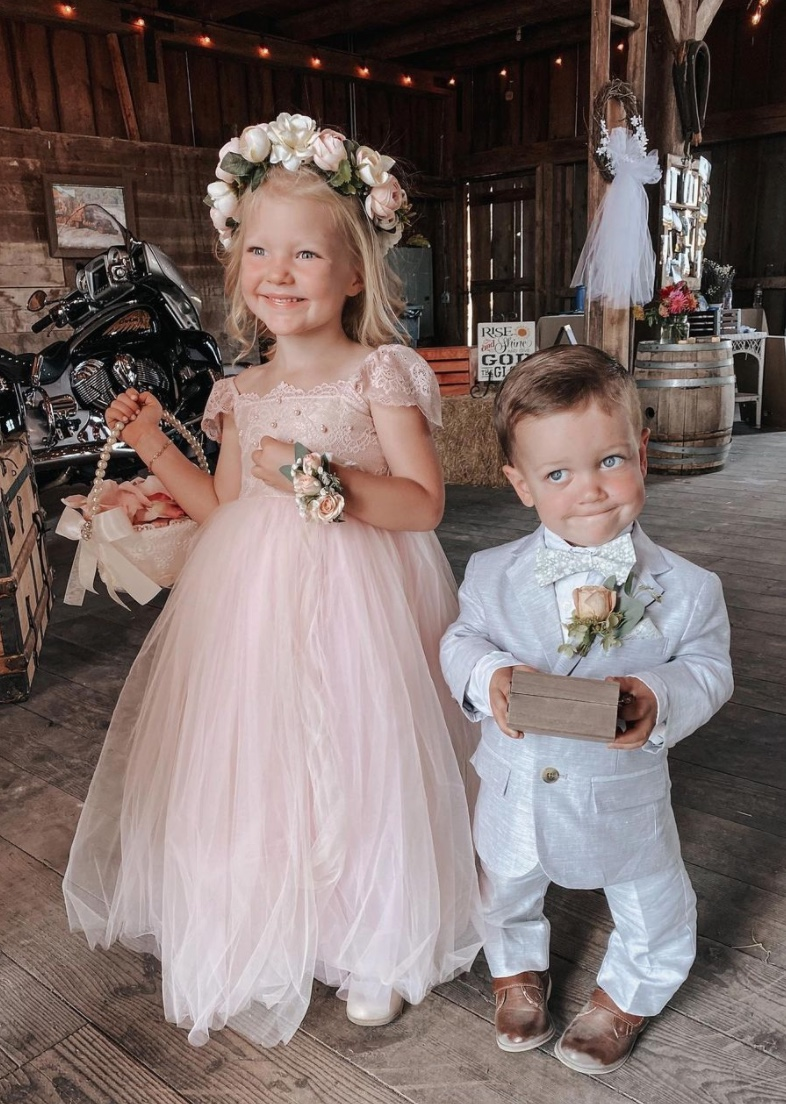 amy roloff and chris marek wed in august saturday night wedding | the roloff family celebrated its matriarch, amy roloff, on saturday, august 29, as she and her longtime partner chris marek got married.