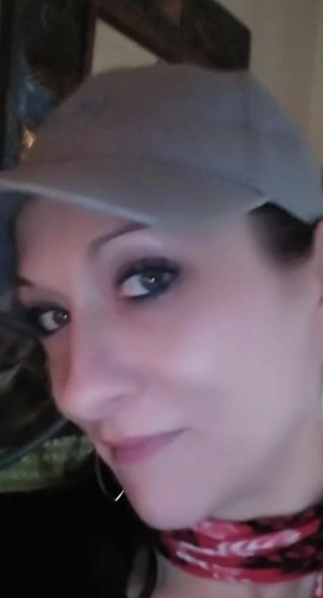 mom disappears after taking trash out, her family demands answers