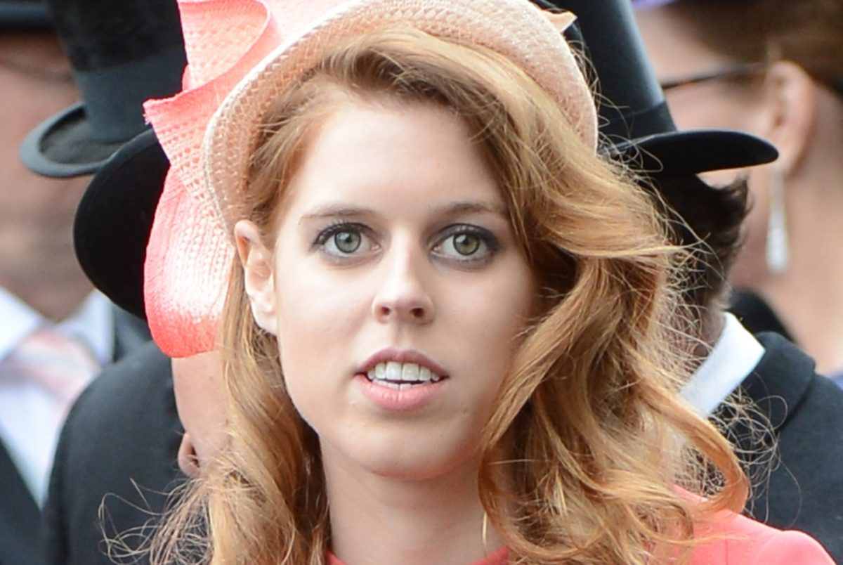 the queen's granddaughter, princess beatrice, gives birth to a little girl