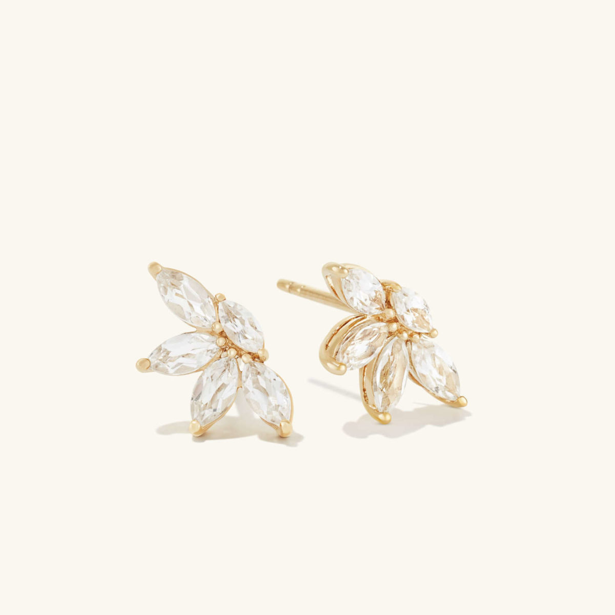 here's my best kept secret and 17 great gifts from mejuri, the best quality and affordable jewelry brand